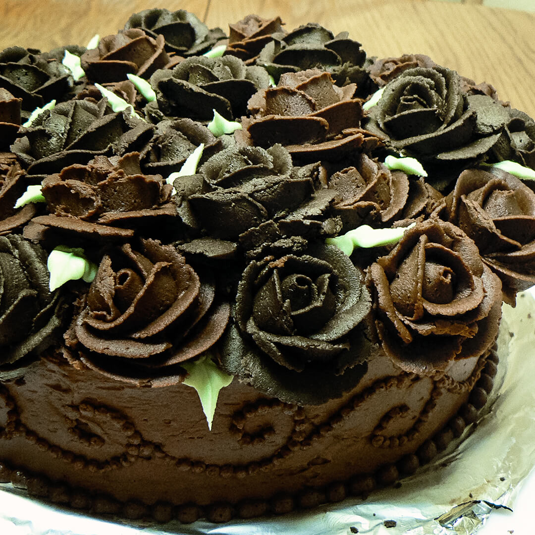 buttercream chocolate roses