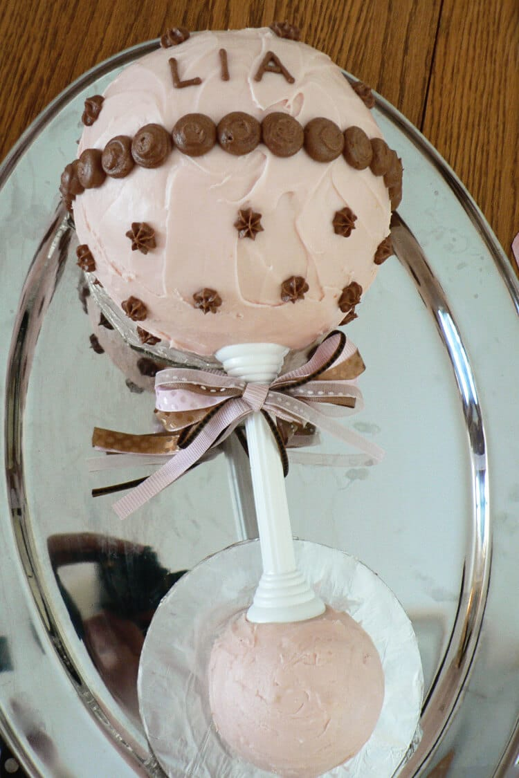 rattle babyshower cake