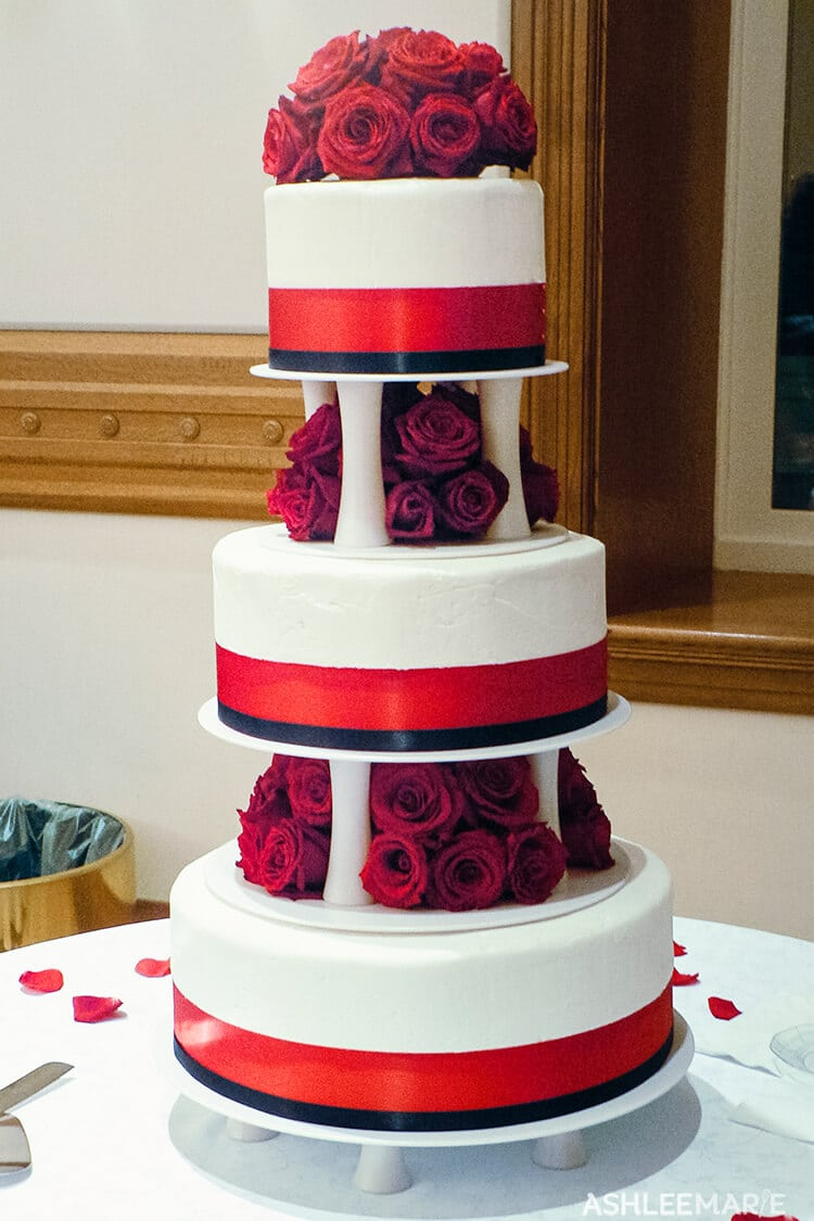 red rose three teir wedding cake