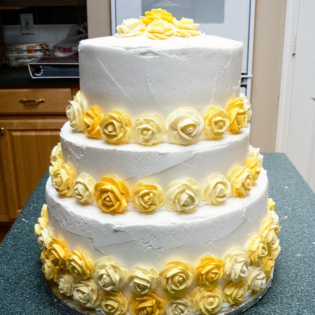 royal icing roses wedding cake