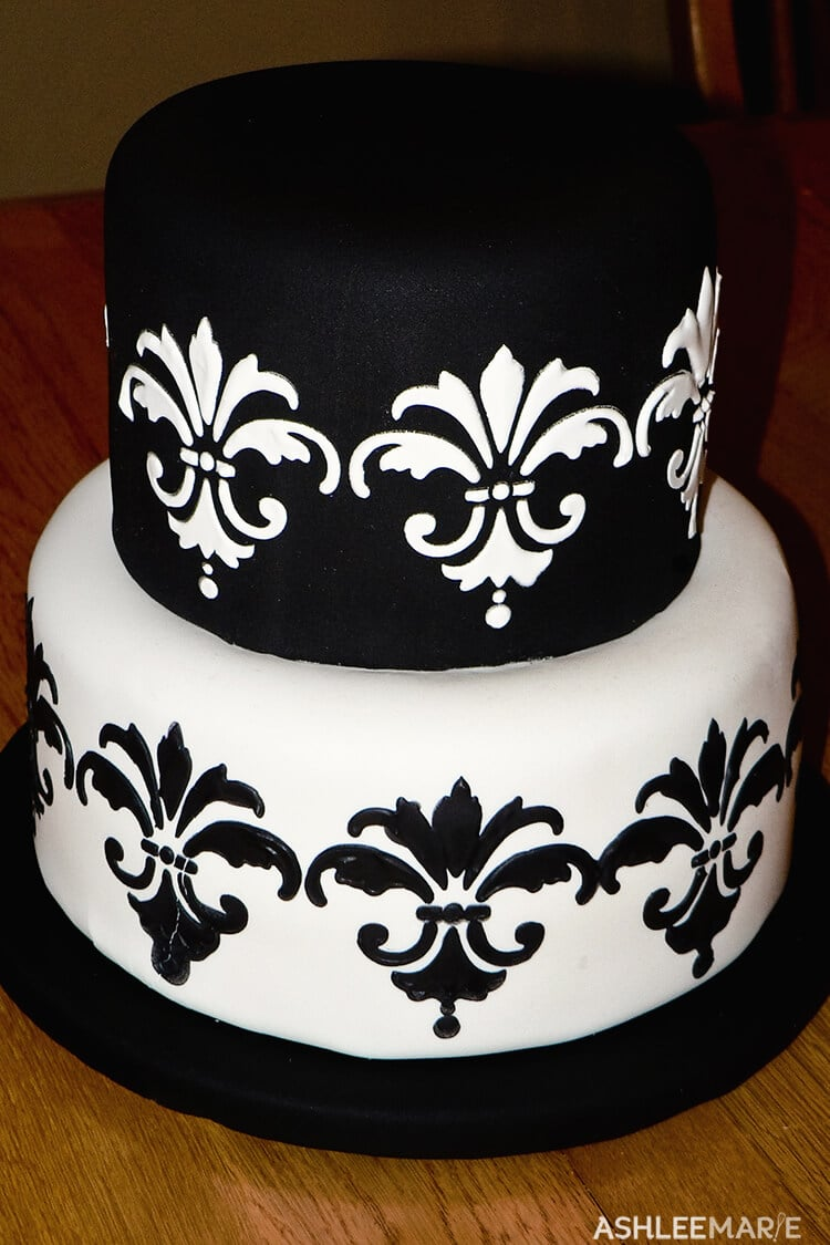 royal icing stencil black and white cake
