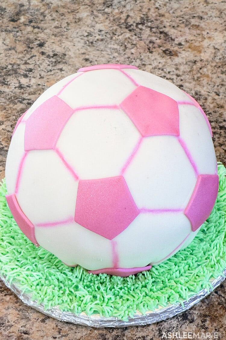 soccer ball fondant cake