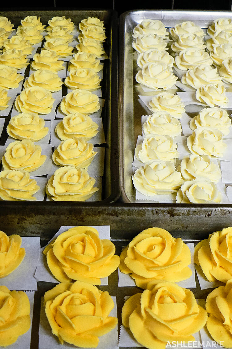 yellow ombre royal icing roses