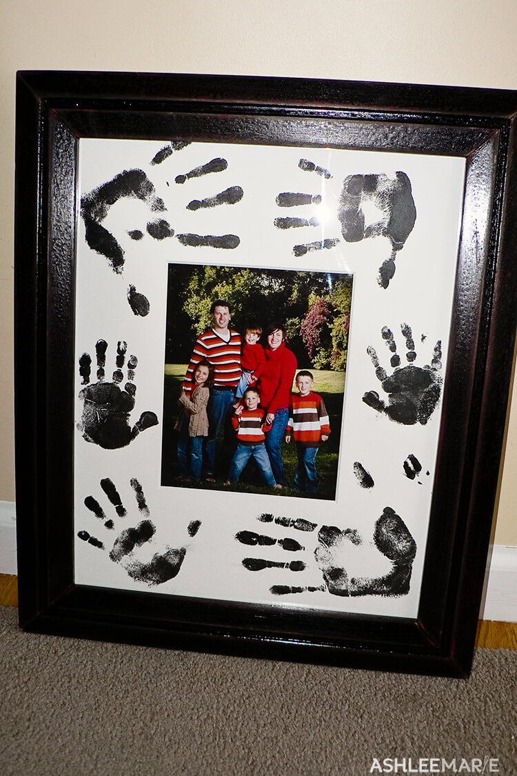 handprint mat family pictures