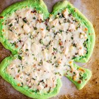 green st patricks day pizza