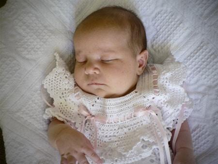 thread-crochet-dress-white-blessing-baby-collar-details-pink-ribbon