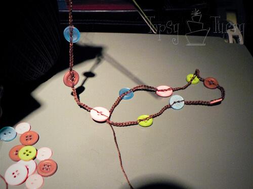 thread-crochet-button-necklace-chain
