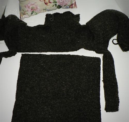 rosette sweater pillow cut