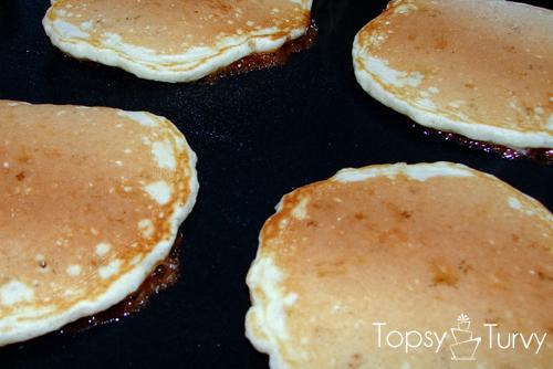 cinnamon-roll-pancake-recipe-cooking
