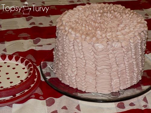 pink-ruffle-cake-valentines