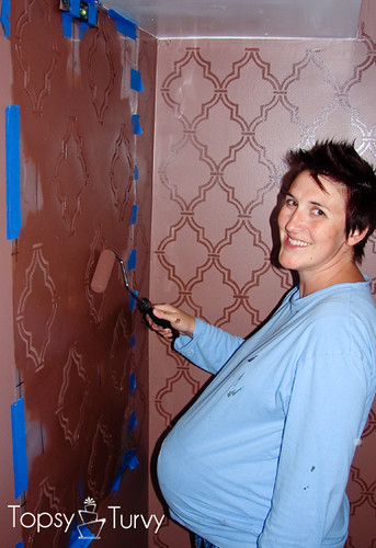 double-trellis-wall-stencil-pregnant-painting
