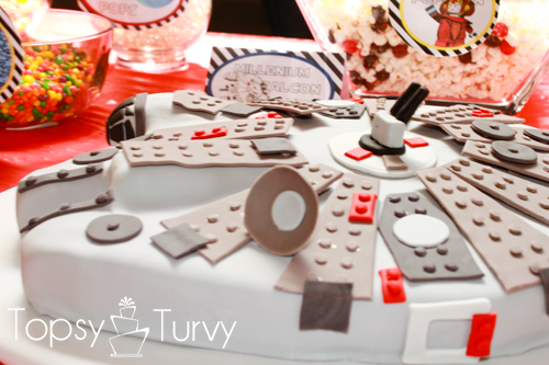 lego star-wars-birthday-party-millennium-falcon-cake