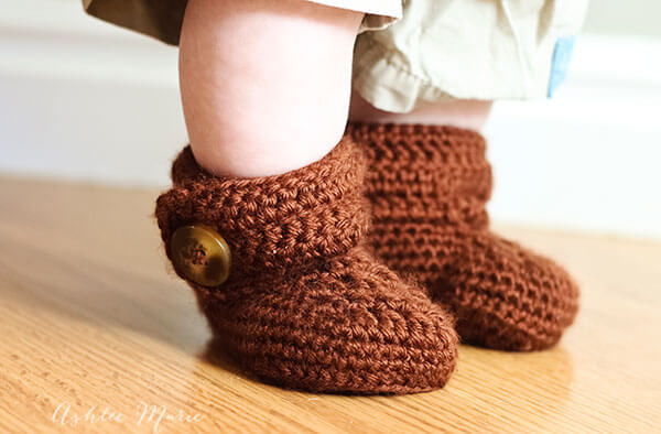 Free Crochet Pattern For Wrap Around Baby Booties : Crochet wrap around button baby boots- girls and boys ...