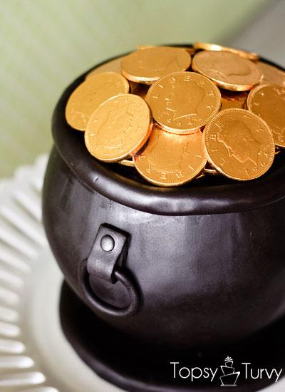 pot-of-gold-cake-fondant-cauldron
