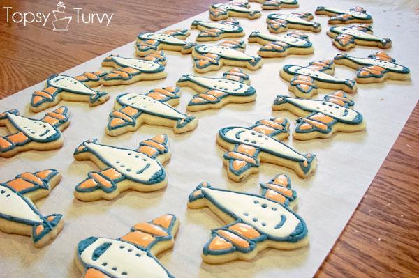 airplane-cookies-color-flow-method-color