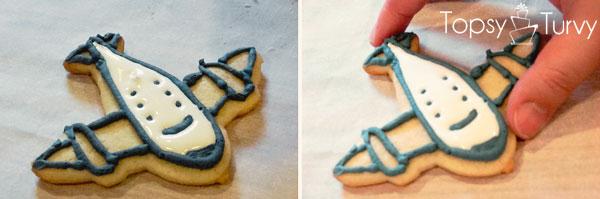 airplane-cookies-color-flow-method-shake