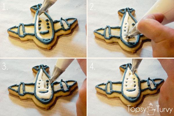 airplane-cookies-color-flow-method-piping