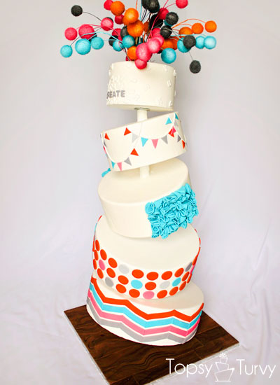 topsy-turvy-fondant-cake