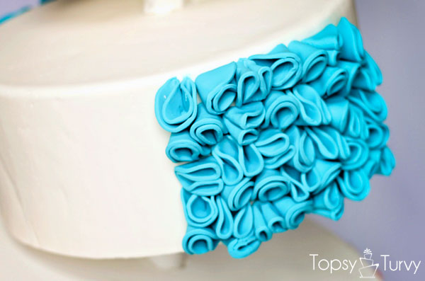 topsy-turvy-fondant-cake-ruffles
