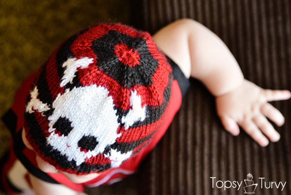 intarsia-skull-baby-beanie-top