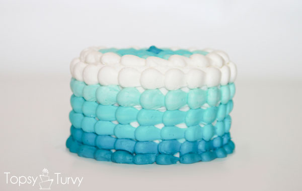 blue-ombre-buttercream-smash-cake