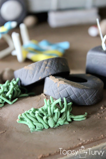 white-trash-trailer-cake-fondant-grass-tires