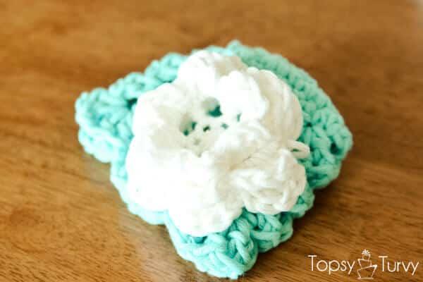 shell-crochet-baby-beanie-large-flower