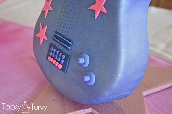 standing-guitar-cake-carved-body-finished