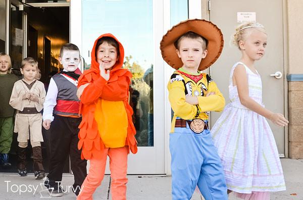 The-Lorax-Halloween-Costumes-parade-humming-fish