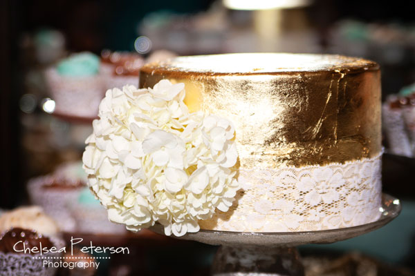 gold-leaf-cake-wedding-metallic-turquoise
