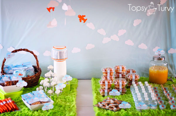 airplane-baby-shower-table