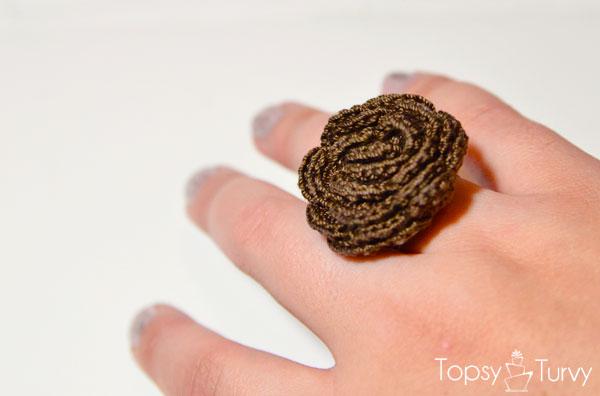 thread-crochet-rose-ring