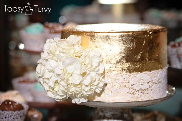 edible-gold-leaf-wedding-cake-lace