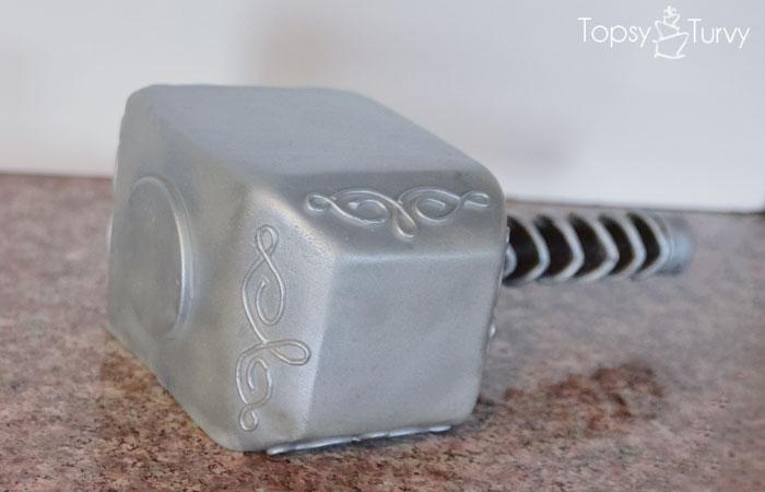avengers-carved-birthday-cake-fondant-hammer
