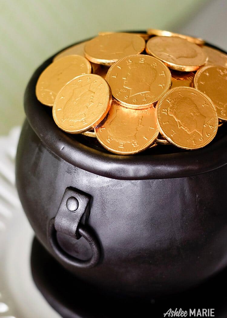 smaller pot of gold cake