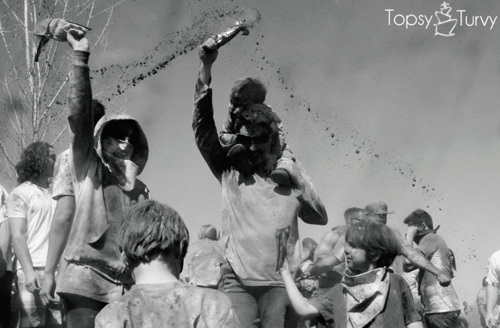 festival-color-family-toss
