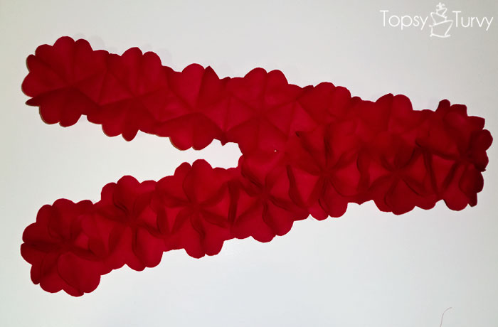 flower-hearts-felt-scarf-tutorial