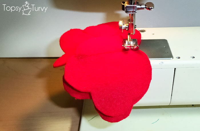 bulky-flower-hearts-felt-sewing-tutorial