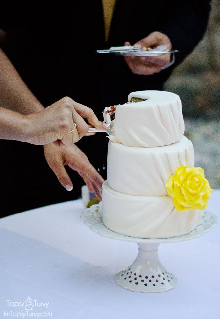 pleated-fondant-wedding-cake-mini