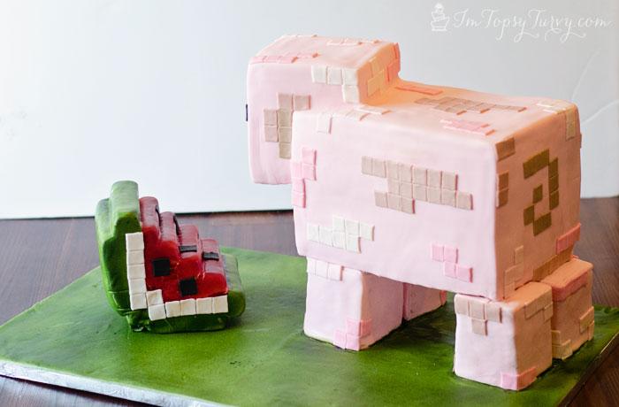 minecraft-cake-tutorial-pig-side