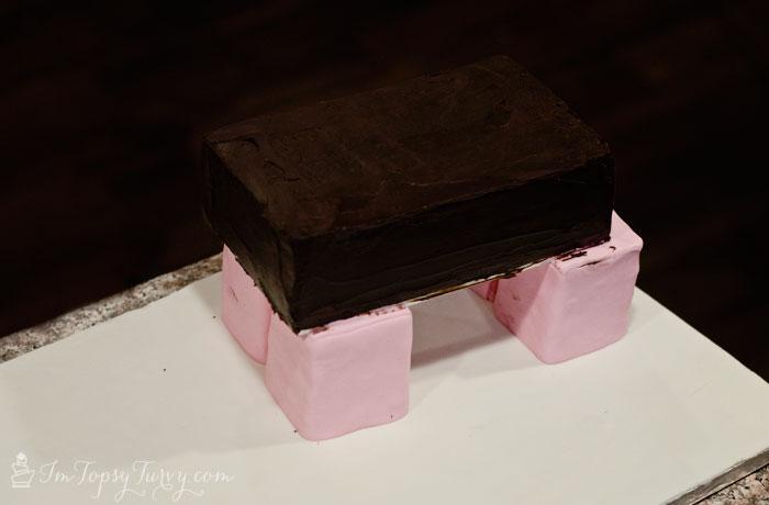 minecraft-cake-tutorial-pig-body