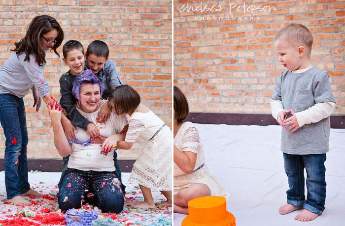 family-photography-smash-cake-session-mom