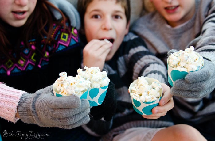 disney-frozen-the-movie-popcorn-snowballs
