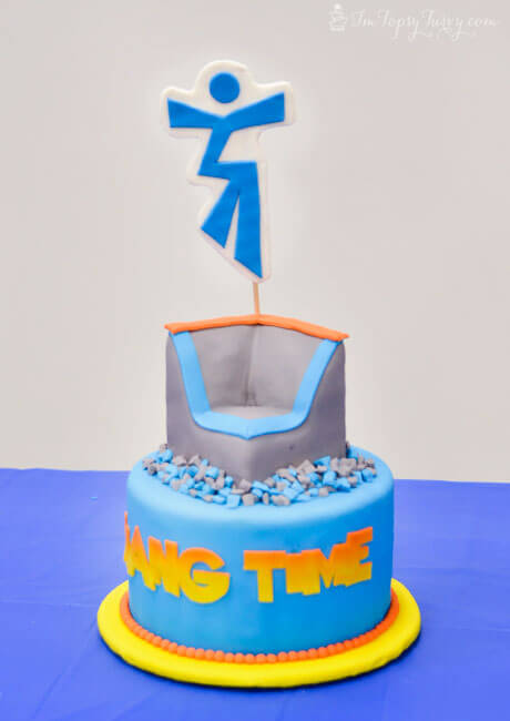 trampoline-park-cake