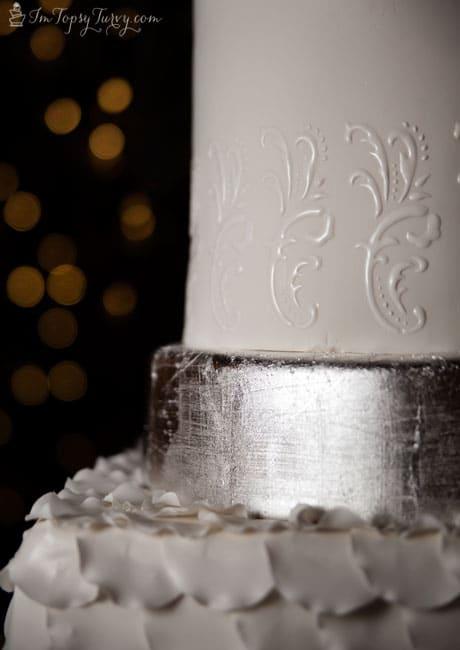 silver-leaf-wedding-cakes
