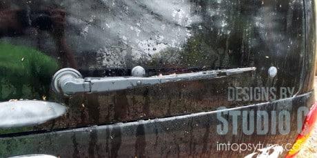 replace-windshield-wiper-blades