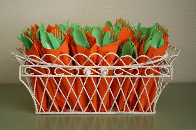 easter-party-carrot-cutlery