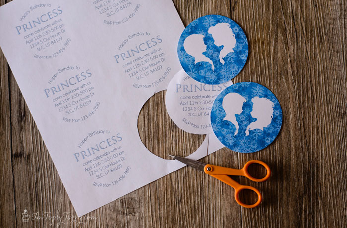 Frozen-Snow-Globe-Invitations