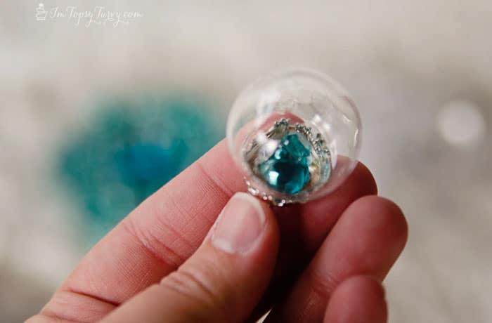 frozen-birthday-party-snow-globe-ring