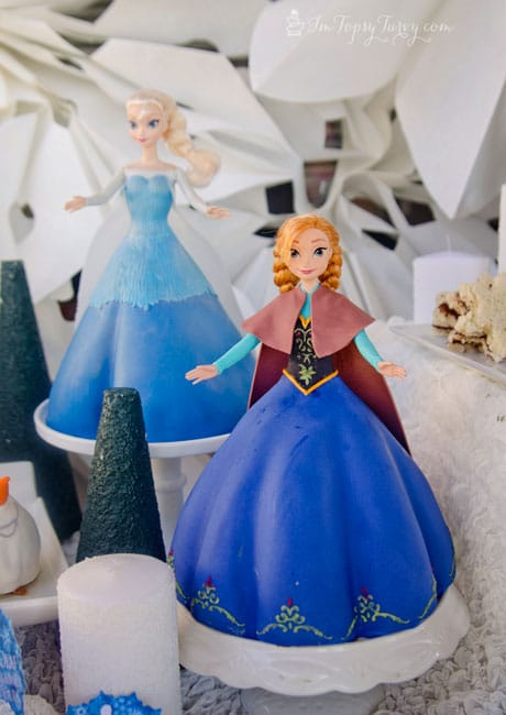 frozen-birthday-party-princess-cakes
